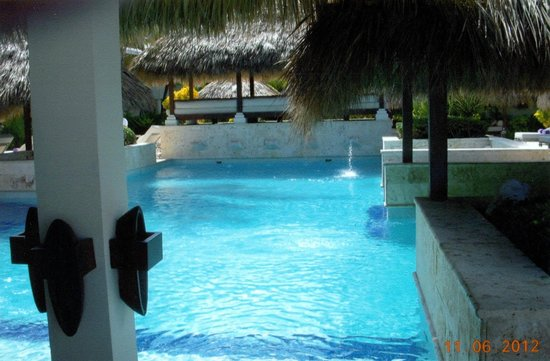 Paradisus Punta Cana Resort:                   Royal Service pool