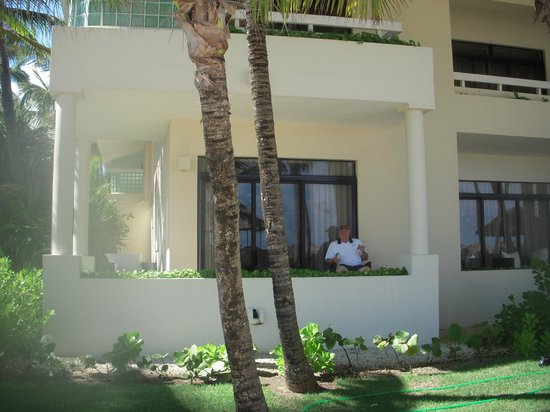 Paradisus Punta Cana Resort:                   Front of our room