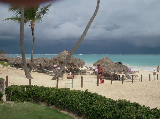 Paradisus Punta Cana Resort:                   Royal Service beach