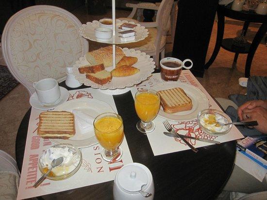 Pension Dafni:                   Breakfast