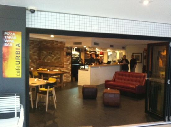 Cafe Urbia: getlstd_property_photo