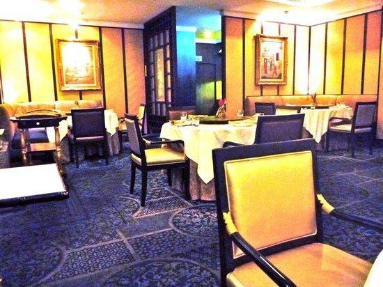 The Mayflower:                   Elegant dining room