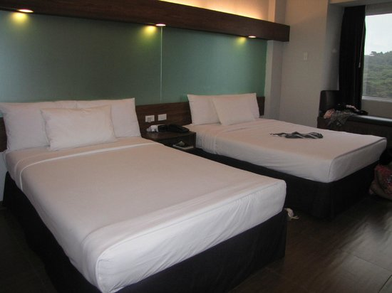 Microtel Inn & Suites by Wyndham Baguio: Double Room
