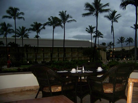 Kauai Beach Resort:                   A sunrise for breakfast