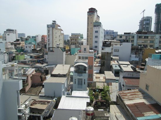 Nguyen Khang Hotel:                   A view from my windowed room