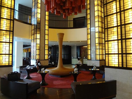 Novotel Ha Long Bay: Reception Area