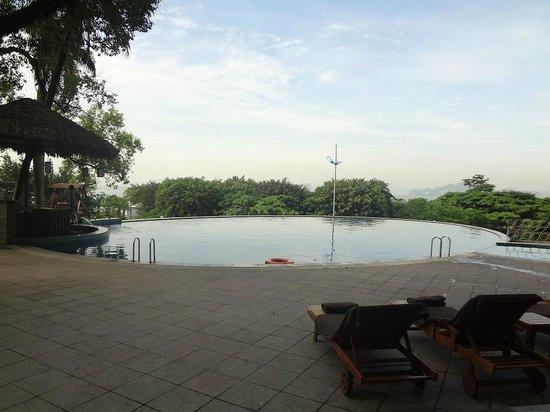 Novotel Ha Long Bay: Swimming Pool