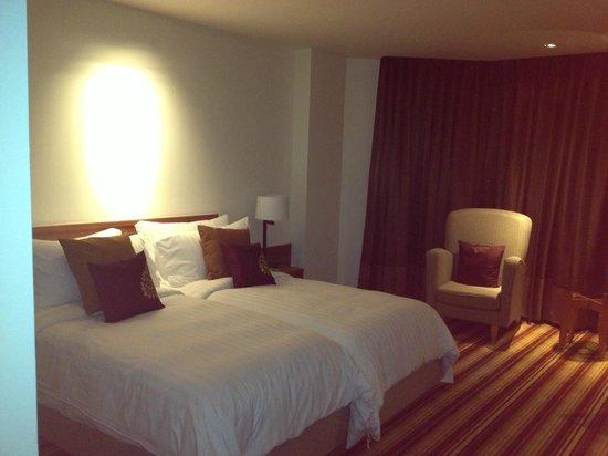 Amari Don Muang Airport Bangkok:                   Hotel Room