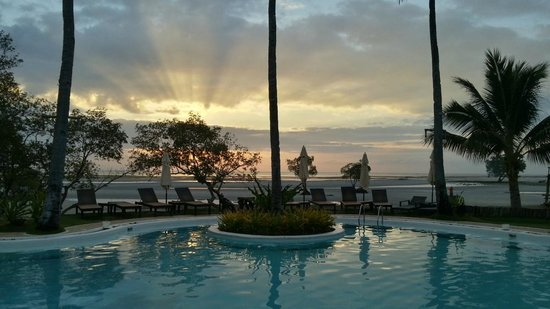 Microtel Inn & Suites by Wyndham Puerto Princesa:                   Sunrise for breakfast