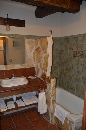 Posada Puerta Grande:                   Baño tendido 3