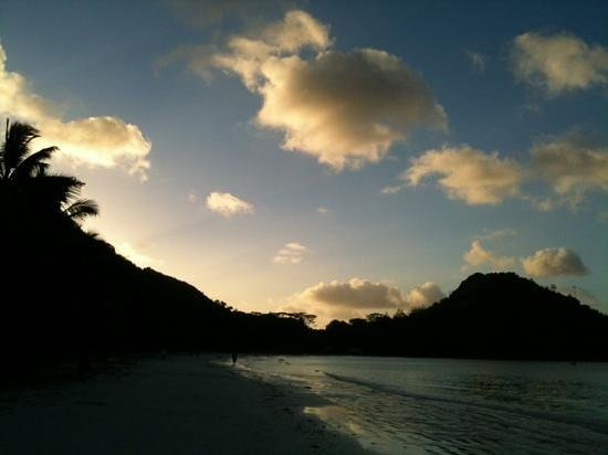 Aquario:                   anse petit cour al tramonto