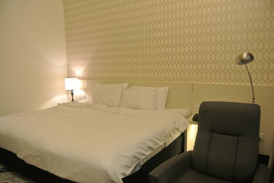 Village Hotel Bugis by Far East Hospitality:                   New Room