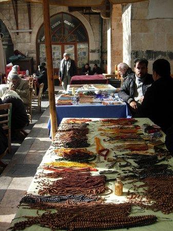 Sanliurfa, Turkey:                   Tesbih satıcıları