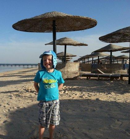 منتجع ثرى كورنرز فيروز بلازا بيتش ريزورت:                   Beach                 