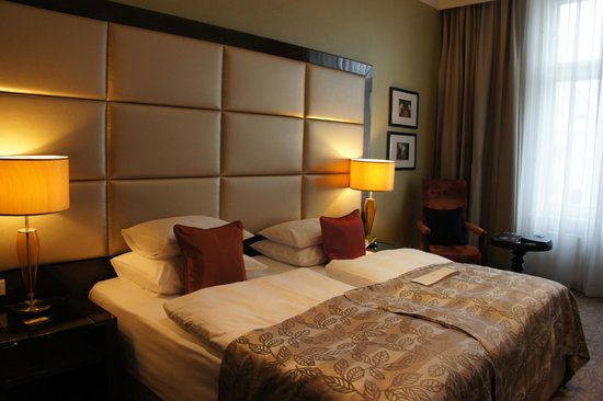 Hotel Kings Court:                   Executive Room