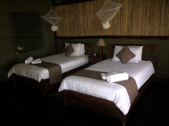 Kwalape Safari Lodge:                   Very Comfortable Beds
