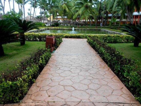 Iberostar Punta Cana:                                     PERCORSI INTERNI: LA FONTANA