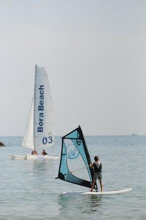 Scuola Windsurfing Bora Beach : velacatamarano windsurf