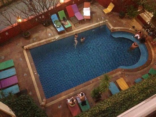 Chiang Mai Thai House:                   piscine vue du 4ème