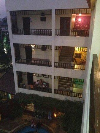 Chiang Mai Thai House:                   vue des différents étages