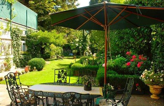 GaBB Bed & Breakfast: Garden