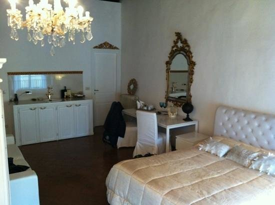 Palazzo Tolomei Residenza d'Epoca:                   camera
