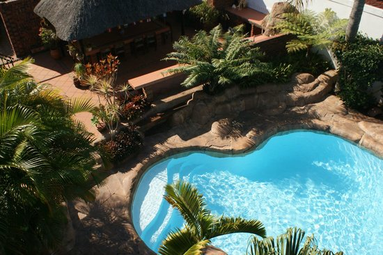 Africa Regent Guest House: Aerial view of Pool