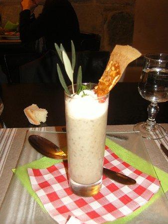 Bistro des Arènes :                   Capuccino des lentilles - délice !!