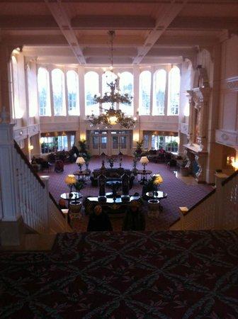 Disneyland Hotel: Hall