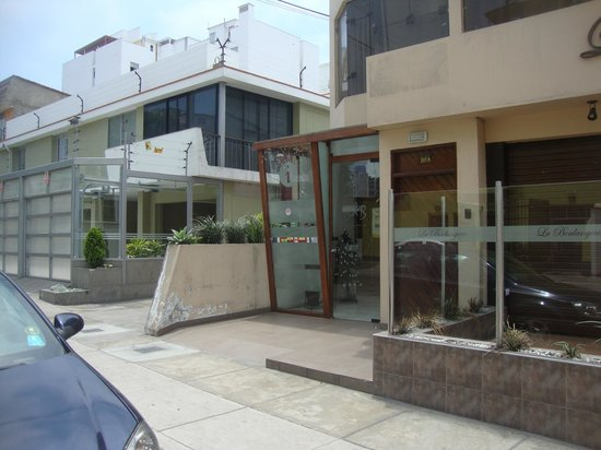 B&B Miraflores Wasi:                   Acceso calle Tarapacá