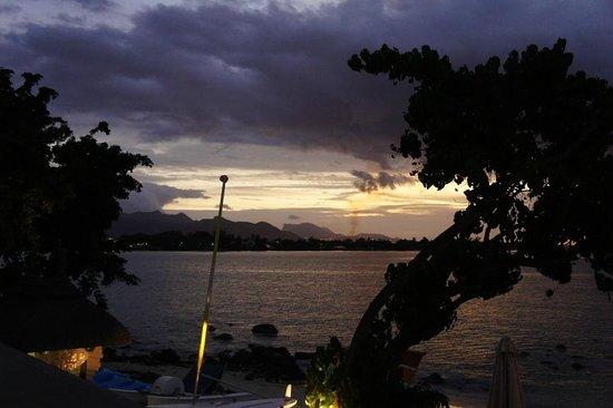 Angsana Balaclava Mauritius: Sun set at Balaclava