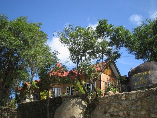 Mountain Top Hotel (Myanmar/Kyaikto) - Hotel Reviews