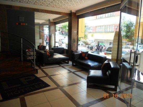 Hotel LP Columbus: Hotel lobby