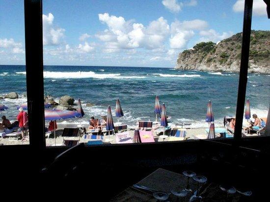 Hotel Tritone Wellness Center:                   Panorama dal tavolo del ristorante