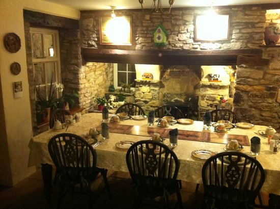 Brinsea Green Farm Bed & Breakfast :                   Dining Room