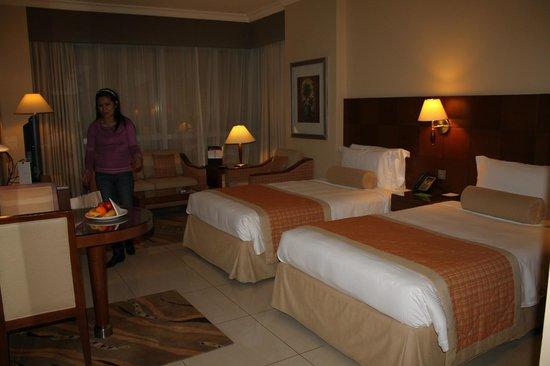 فندق الروضة روتانا:                   Al Rawda Arjaan Abu Dhabi                 