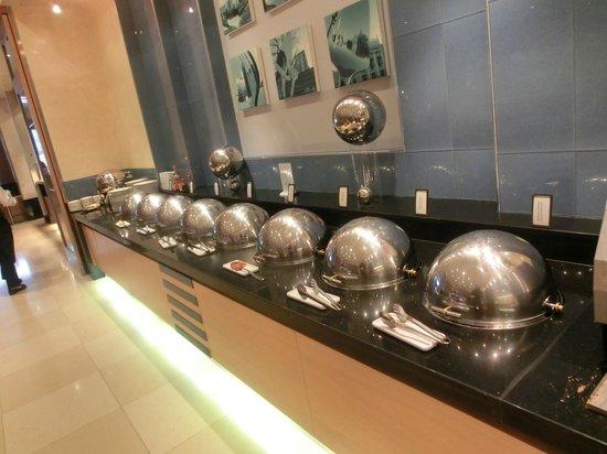 Hilton Vienna:                   sala de cafe