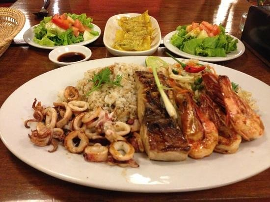 Happa's Restaurant:                   sea food platter