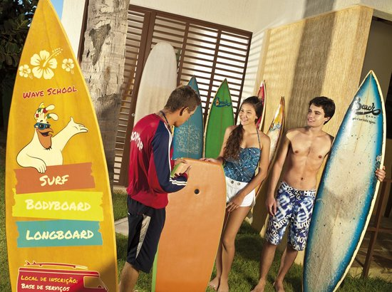 Suites Beach Park Resort : Aulas de surf/bodyboard