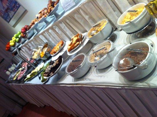ไอเดีย โฮเต็ล มิลาโน คอร์โซ เจ็นโนวา:                   breakfast