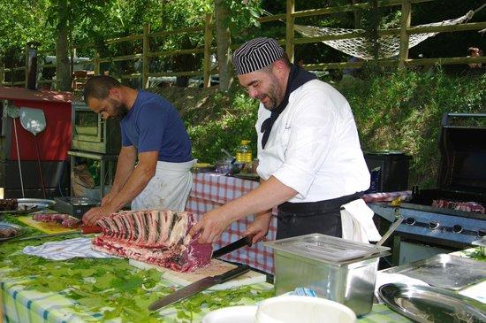 Agriturismo La Pietriccia: pranzo sottobosco.........che sbraco totale!!