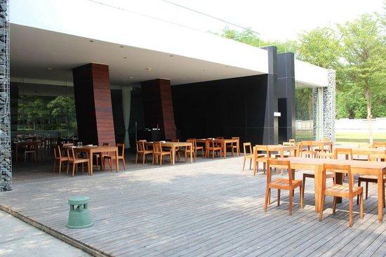 Hotel So Sofitel Hua Hin:                   Motion Restaurant (Breakfast)