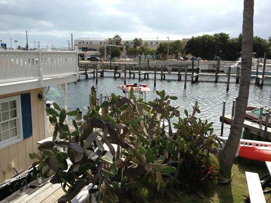 Harborside Motel & Marina:                   view from upper seatng deck .great for dinners on the provided grill!