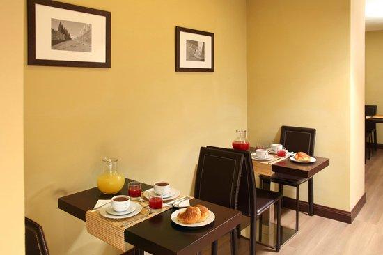 Hotel Boutique Nazionale: Consumare la prima colazione in un ambiente intimo è una delle sensazioni speciali che regala l'
