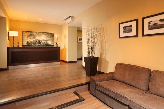 Hotel Boutique Nazionale: Sin dalla hall i nostri ospiti vengono coccolati con una calorosa accoglienza