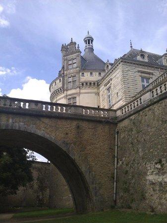 Château du Lude :                   vue des douves