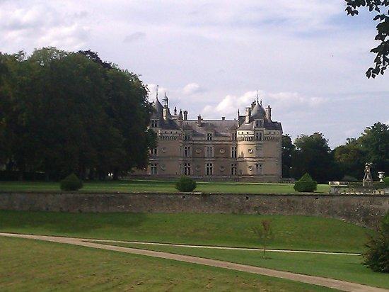 Château du Lude :                   vue depuis le parc