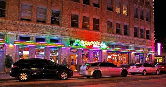 Sundance Square - Picture of Razzoo's Cajun Cafe, Fort Worth ...