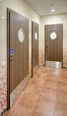 Hotel Picaro - Zarska Wies Polnoc: Social Bathrooms