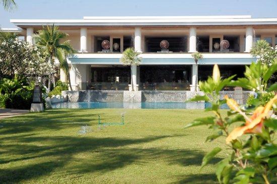 Sheraton Hua Hin Resort & Spa: Empfangsgebäude und Lounge